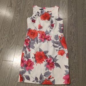 Beautiful floral pattern dress by Mario serrani 🌸